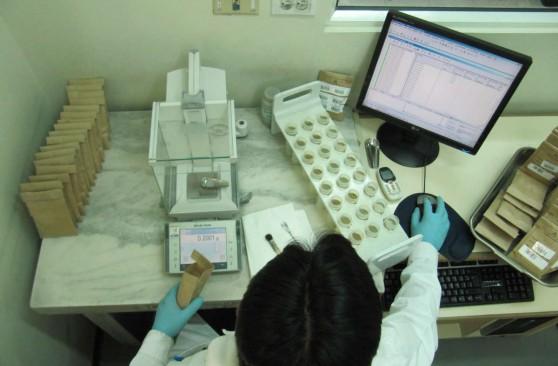 CENEA-consultoria-sector-industria-quimica